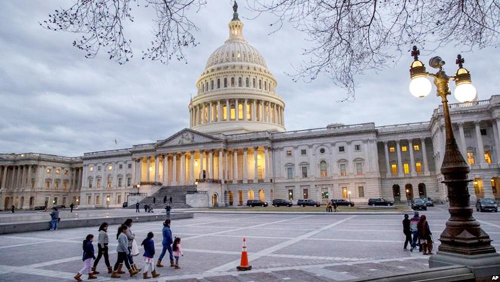 """Luật Ngân sách được thông qua, Chính phủ Mỹ chính thức """"thoát hiểm"""""""